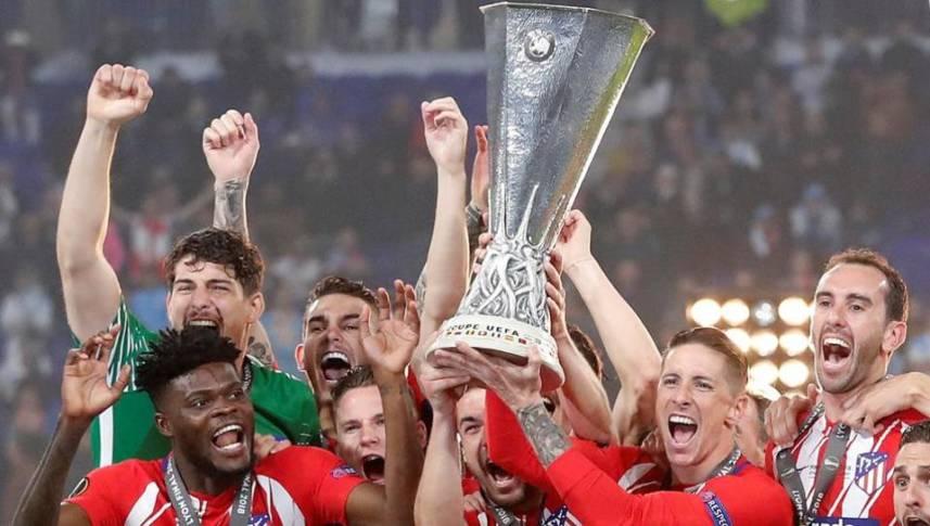 Campioana Europa League se întoarce cu trofeul în fața propriilor fani